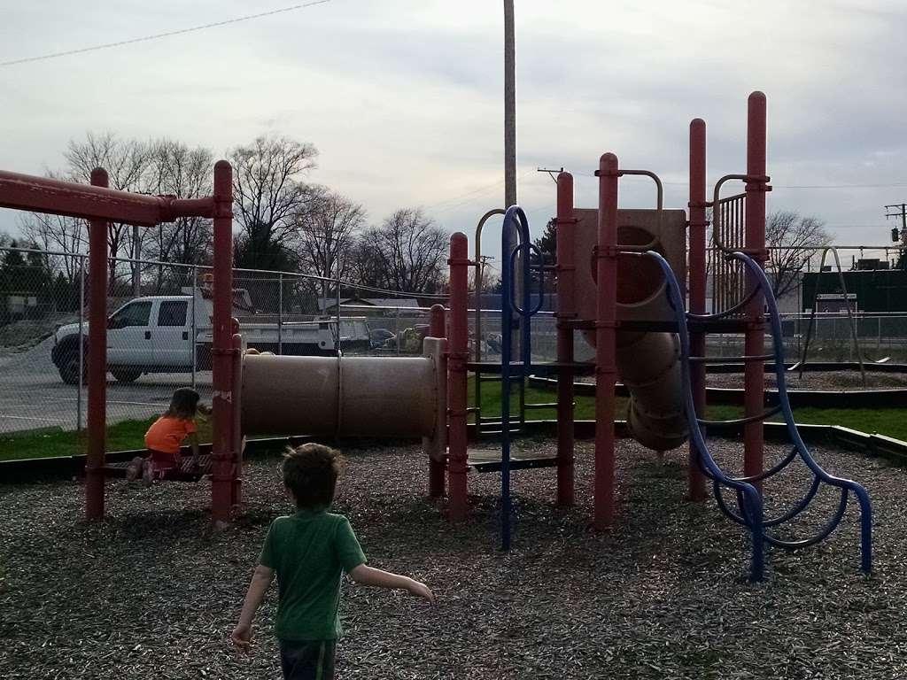 Playfield Park - park  | Photo 9 of 10 | Address: 12804 W Playfield Dr, Midlothian, IL 60445, USA