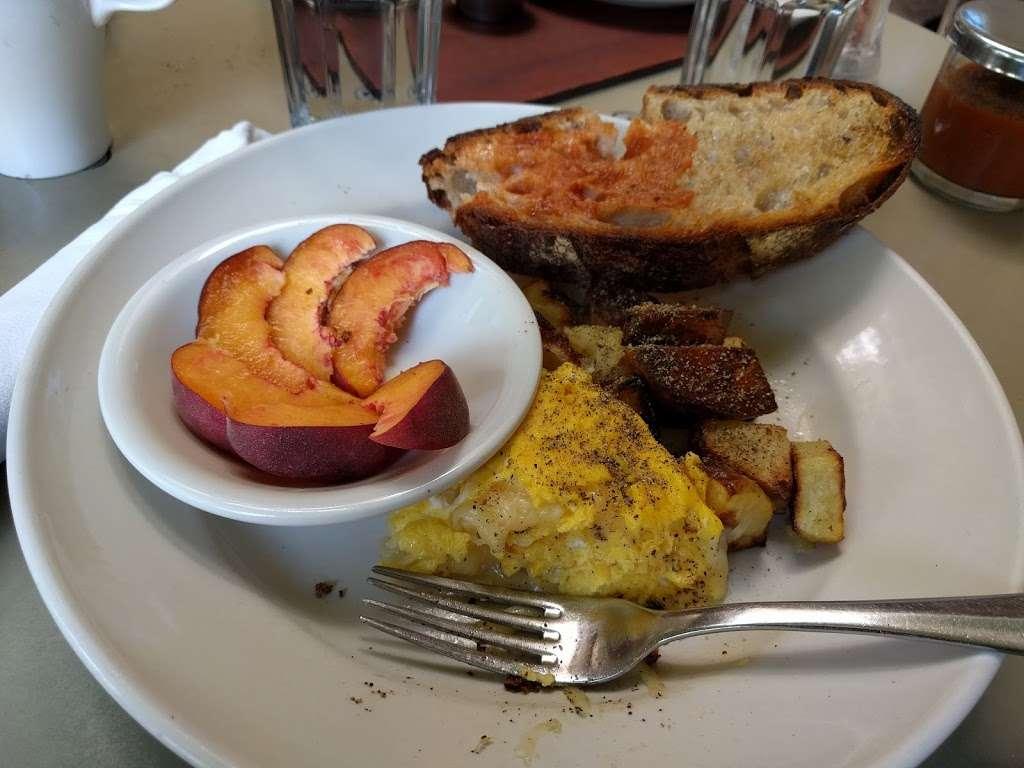 Lowells Restaurant - cafe  | Photo 8 of 10 | Address: 7385 Healdsburg Ave #101, Sebastopol, CA 95472, USA | Phone: (707) 829-1077