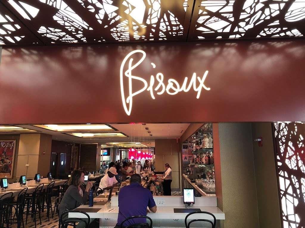 Taste of Bisoux - restaurant  | Photo 3 of 10 | Address: Terminal D Gates 3-4, Flushing, NY 11371, USA