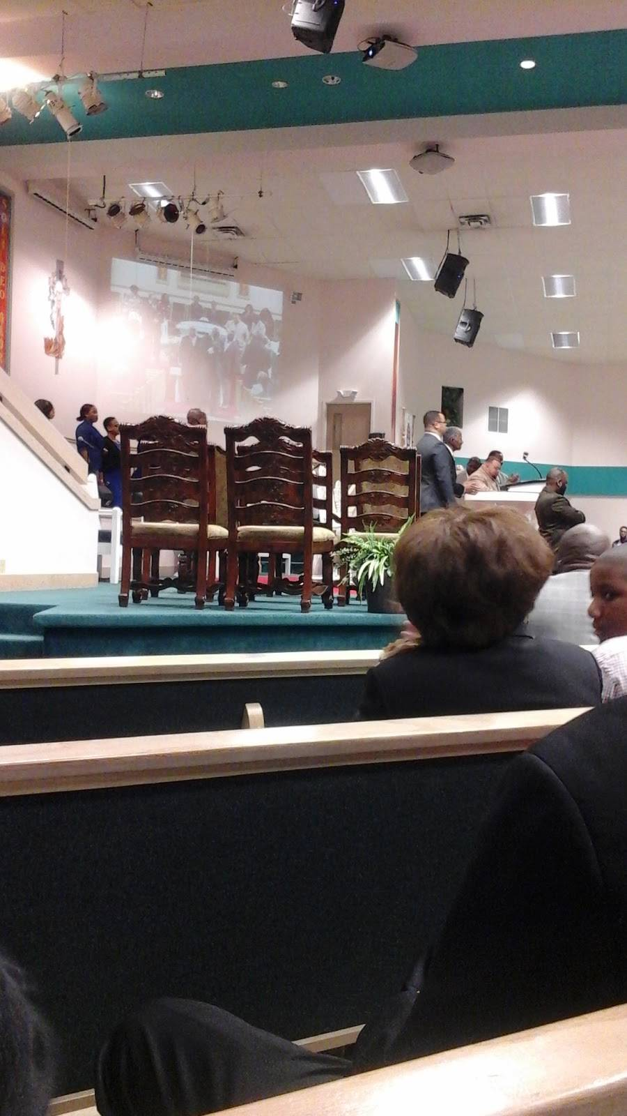 Mount Hermon Missionary Baptist Church - church  | Photo 2 of 9 | Address: 2283 Sunbury Rd, Columbus, OH 43219, USA | Phone: (614) 471-1133