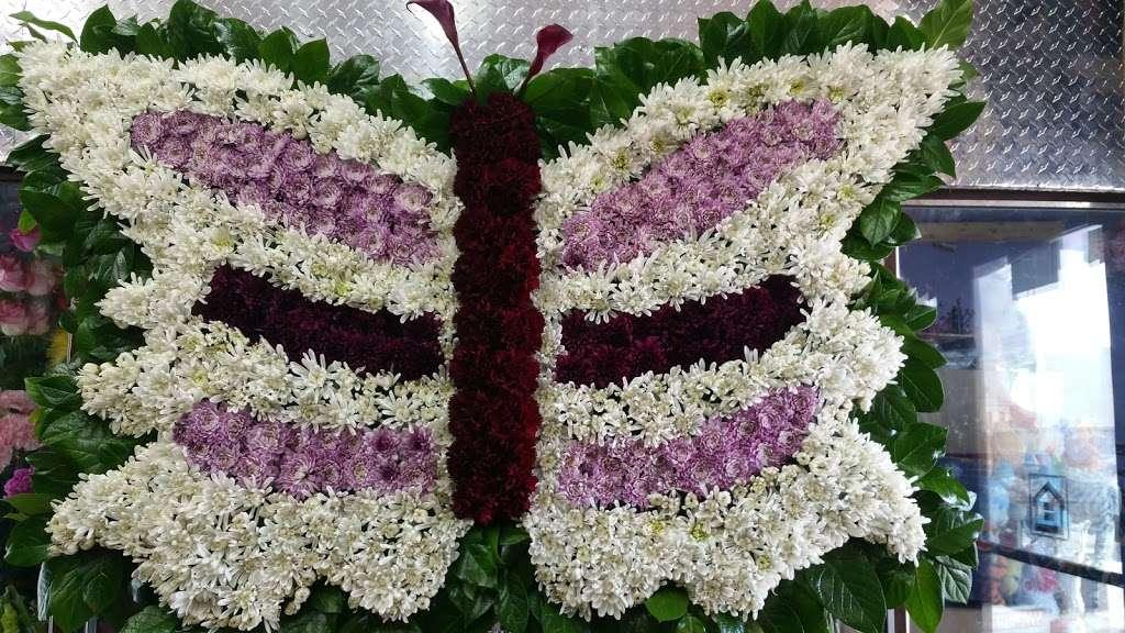 Yesenias Flowers - florist  | Photo 10 of 10 | Address: 1537 Castle Hill Ave, Bronx, NY 10462, USA | Phone: (347) 657-0022