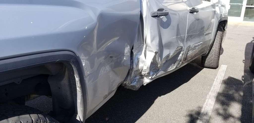Medinas Collision Center Inc. - car repair  | Photo 5 of 9 | Address: 703 S Gifford Ave #220, San Bernardino, CA 92408, USA | Phone: (909) 915-6060