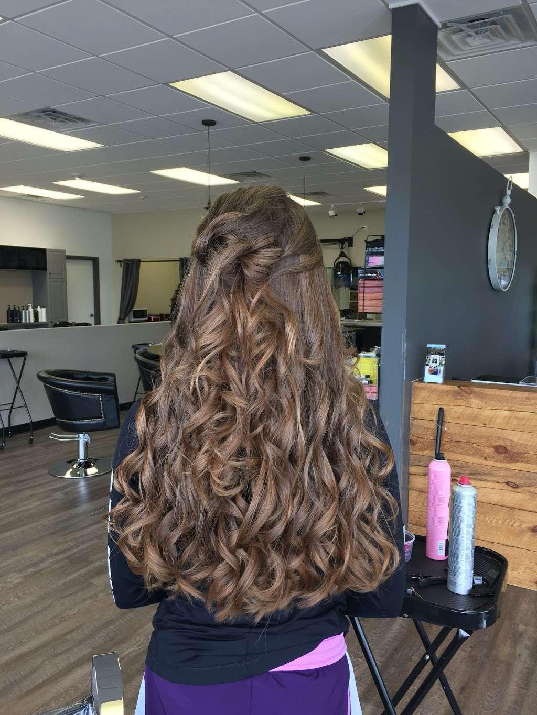 Fuschay Beauty Bar - hair care  | Photo 8 of 10 | Address: 847 N Wilke Rd, Arlington Heights, IL 60005, USA | Phone: (847) 873-1680