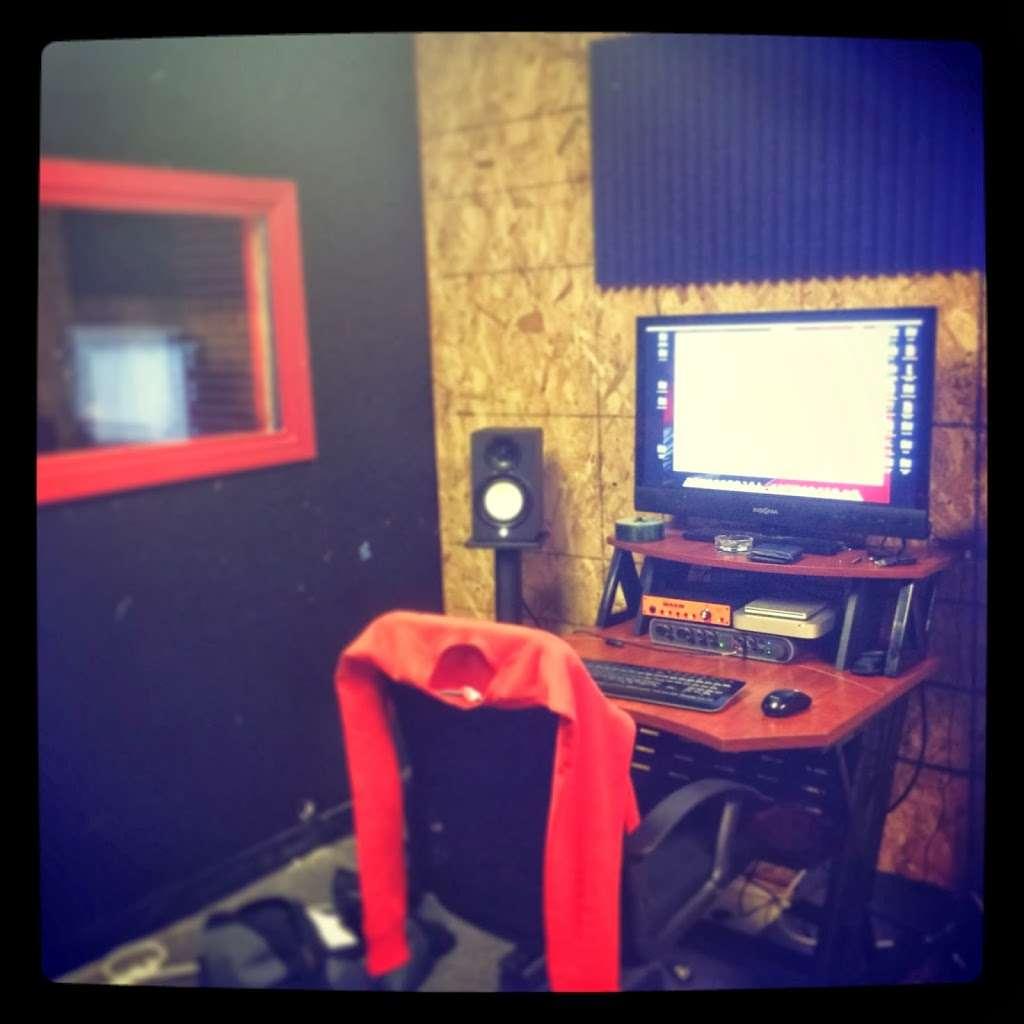 MaccVille Music Studios - electronics store  | Photo 1 of 2 | Address: 6401 Bingle Rd #204, Houston, TX 77092, USA