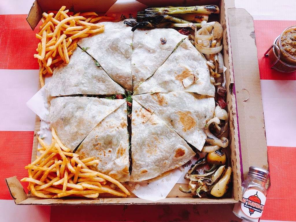 Ta'Karbon Taquería Otay - restaurant    Photo 10 of 10   Address: Avenida, Instituto Politécnico Nacional, Campos Deportivos, Garita de Otay, 22430 Tijuana, B.C., Mexico   Phone: 664 378 1281