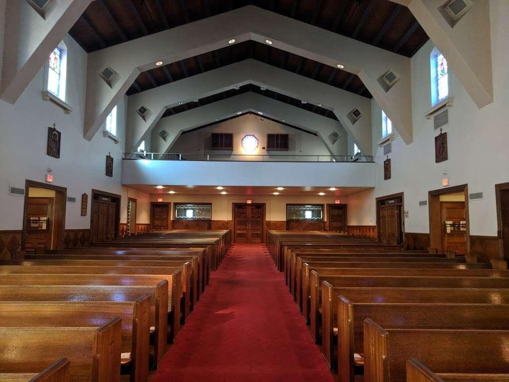 Holy Angels Catholic Church - church  | Photo 6 of 10 | Address: 370 Campus Dr, Arcadia, CA 91007, USA | Phone: (626) 447-1671