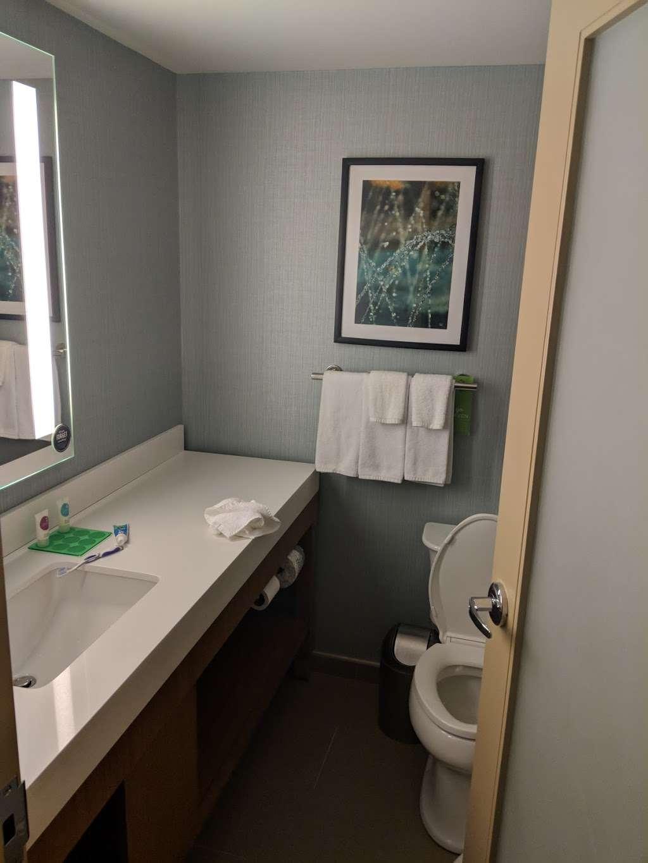 Hyatt Place Long Island City/New York City - lodging  | Photo 3 of 10 | Address: 27-03 43rd Ave, Long Island City, NY 11101, USA | Phone: (929) 208-3100