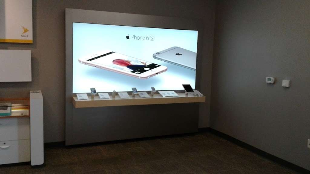 Sprint Store - electronics store    Photo 10 of 10   Address: 27650 Eucalyptus Ave, Moreno Valley, CA 92555, USA   Phone: (951) 247-4262
