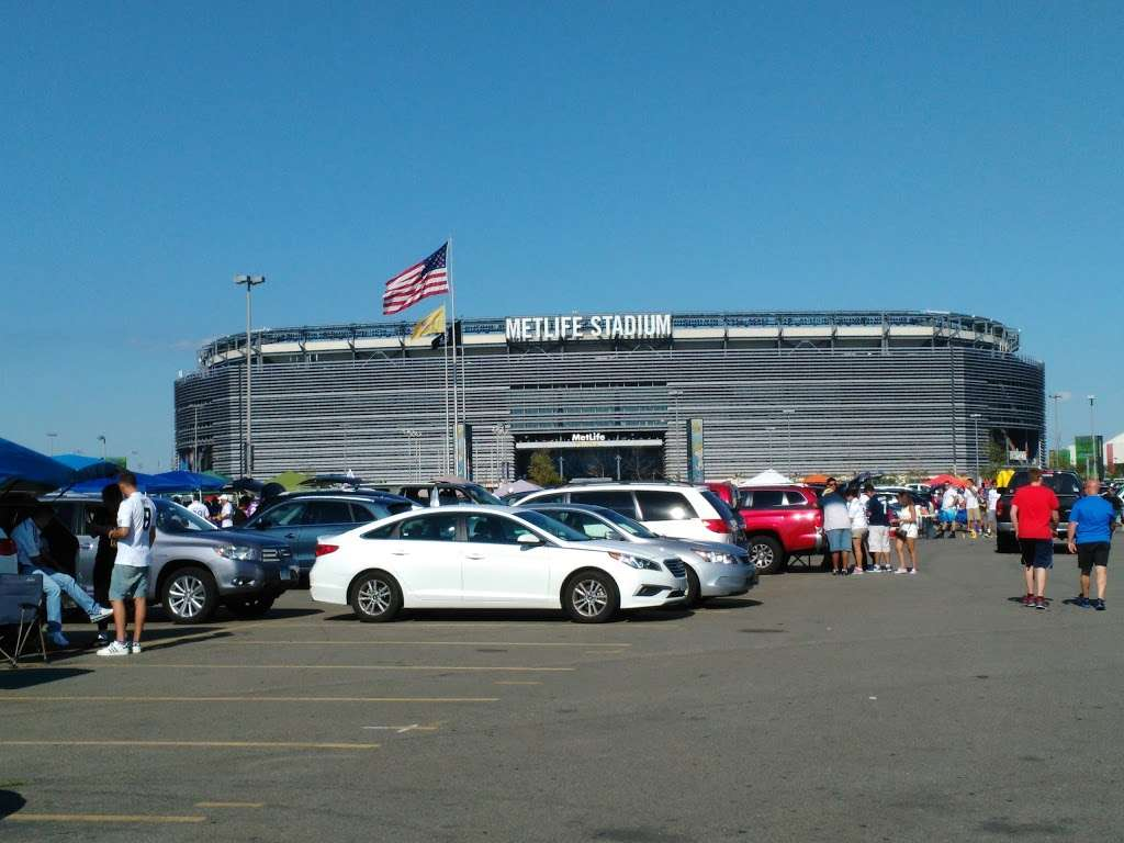 Meadowlands Sports Complex - stadium  | Photo 3 of 10 | Address: 50 NJ-120, East Rutherford, NJ 07073, USA | Phone: (201) 935-8500