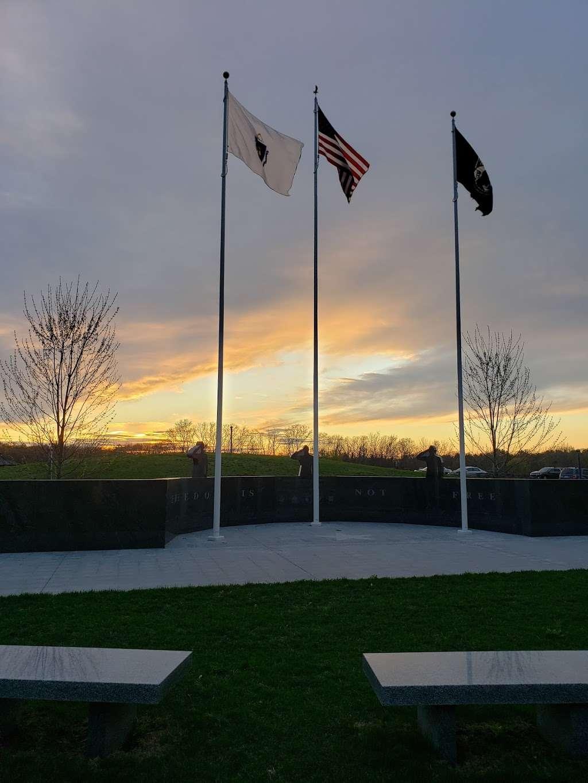 Seekonk Veterans Memorial Park - park    Photo 3 of 3   Address: 372 Newman Ave, Seekonk, MA 02771, USA