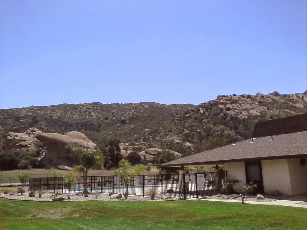 Susana Woods Prestige Mobile - rv park    Photo 3 of 10   Address: 6480 Katherine Rd, Simi Valley, CA 93063, USA   Phone: (805) 522-6660