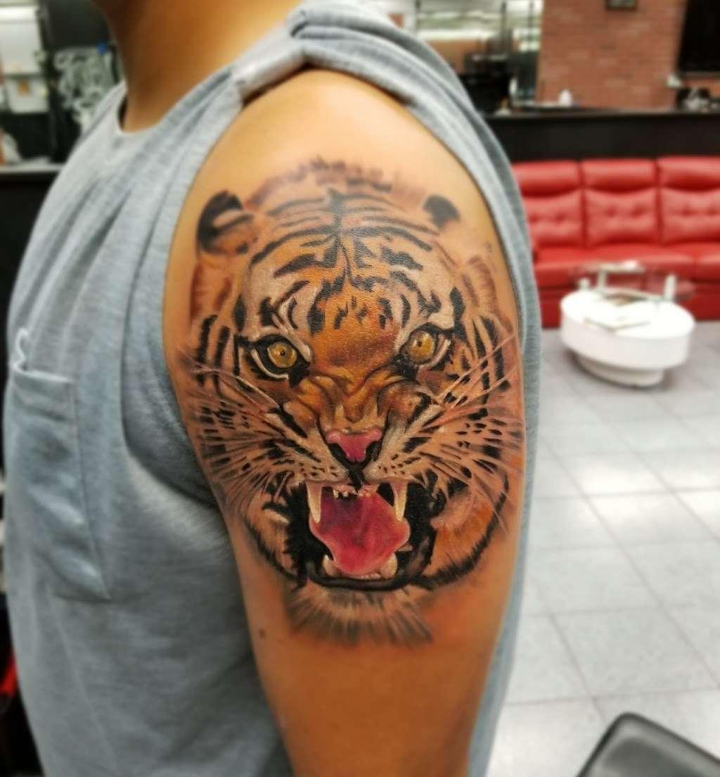 Golden Needle Tattoo - store  | Photo 5 of 10 | Address: 3814 Irving Mall, Irving, TX 75062, USA | Phone: (972) 870-0889