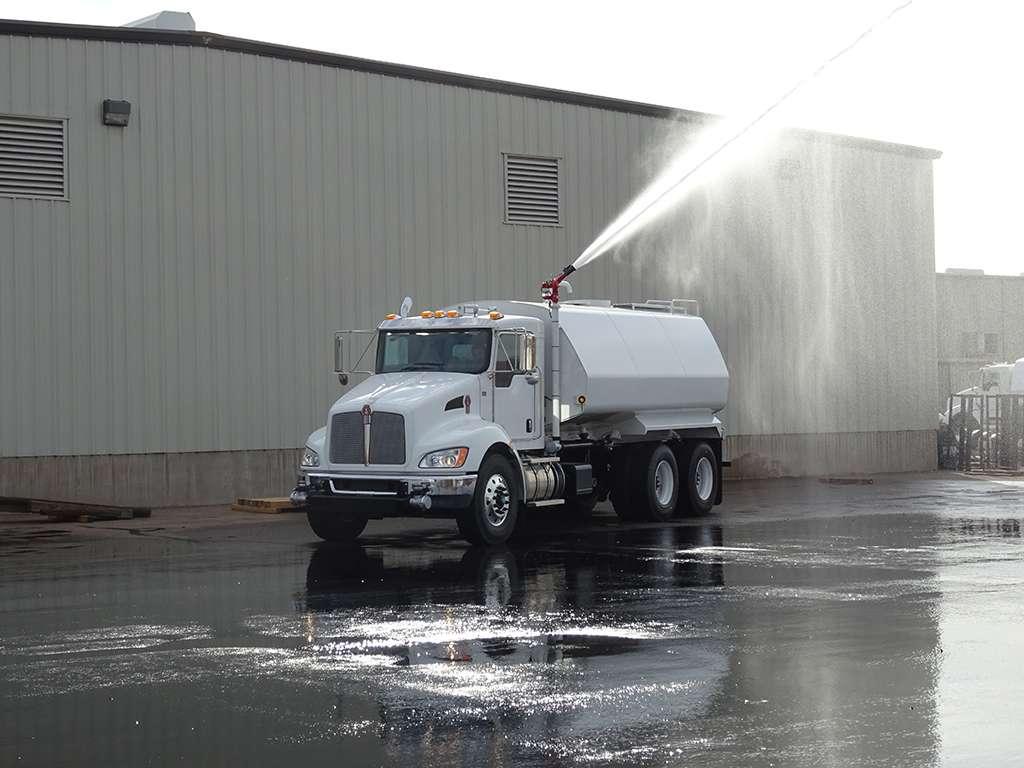 United Truck & Equipment, Inc. - store  | Photo 8 of 10 | Address: 2045 W Buckeye Rd, Phoenix, AZ 85009, USA | Phone: (602) 253-7739