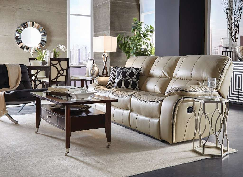 Badcock Home Furniture &more - furniture store  | Photo 2 of 10 | Address: 2523 Old Vineland Rd, Kissimmee, FL 34746, USA | Phone: (407) 726-0891