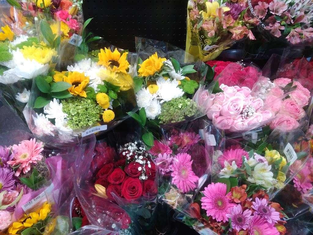 Kobacker Market Inc. - store  | Photo 4 of 9 | Address: 570 N Main St, Brewster, NY 10509, USA | Phone: (845) 279-3515