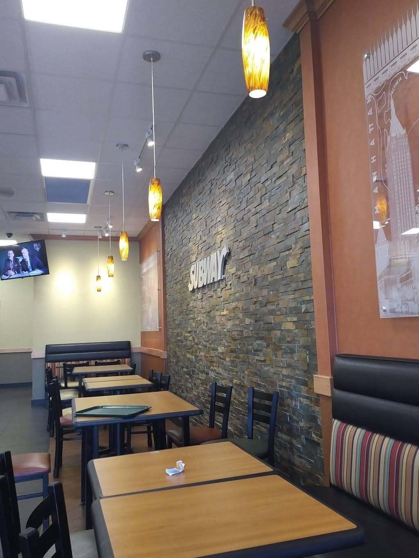 Subway - meal takeaway  | Photo 2 of 7 | Address: 6351, 402 S Desert Blvd Building D Suite 401, El Paso, TX 79932, USA | Phone: (915) 307-6135