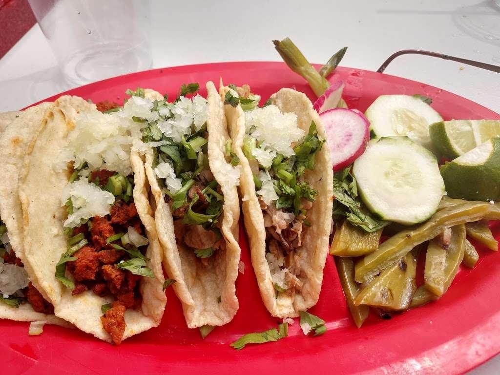Vista Hermosa - restaurant  | Photo 4 of 10 | Address: 35 Ridgefield Ave, Ridgefield Park, NJ 07660, USA | Phone: (201) 373-9463