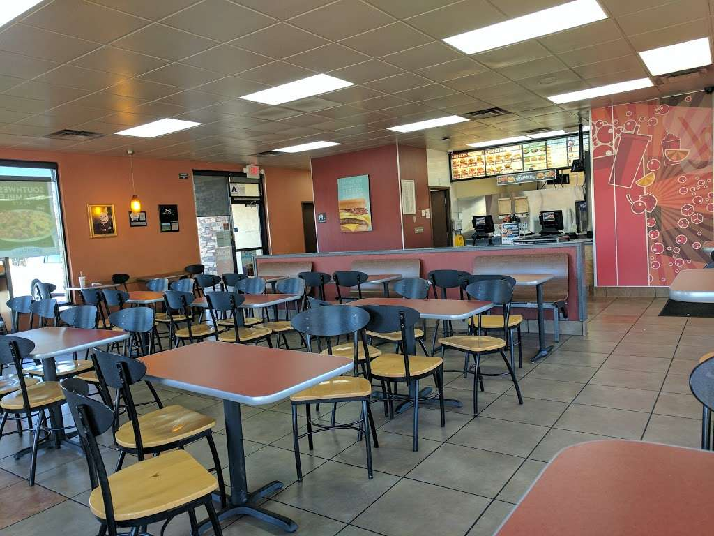Jack in the Box - restaurant    Photo 5 of 10   Address: 29993 Canyon Hills Rd, Lake Elsinore, CA 92532, USA   Phone: (951) 244-2649