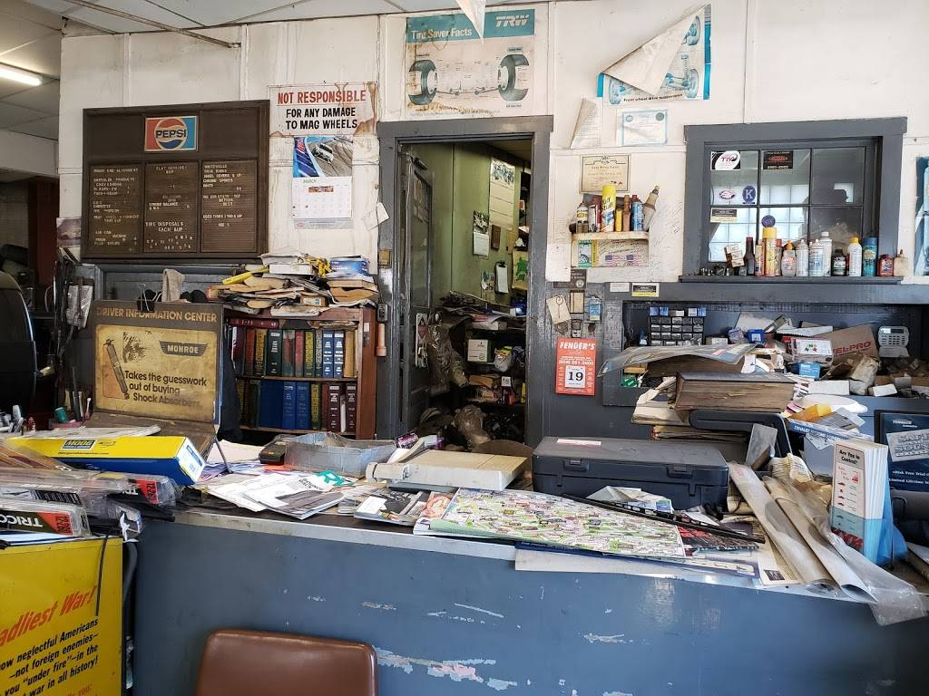Raaker Tire Service - car repair  | Photo 1 of 9 | Address: 1002 Park Ave, Newport, KY 41071, USA | Phone: (859) 292-0224