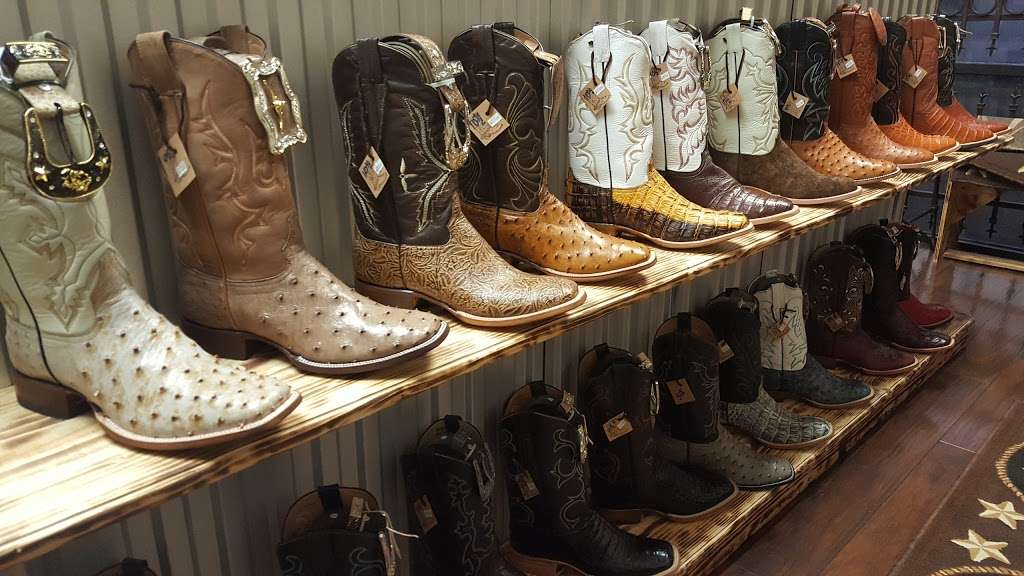 LA HACIENDA BOOT CO. - shoe store  | Photo 8 of 10 | Address: 2525 S Wayside Dr, Houston, TX 77023, USA | Phone: (713) 514-9939