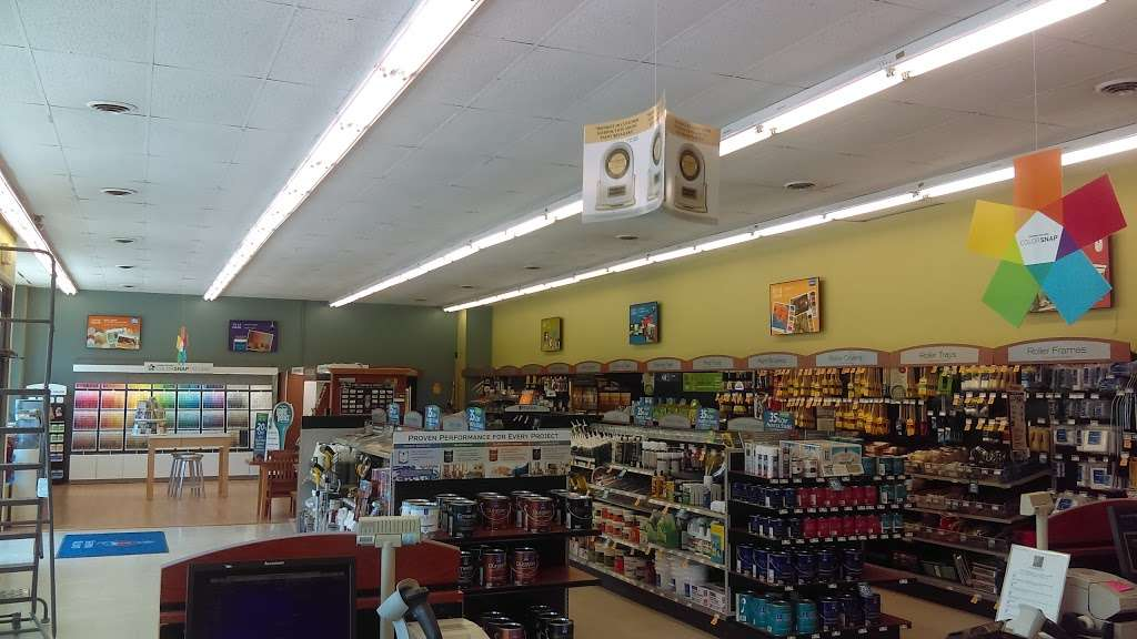 Sherwin-Williams Paint Store - home goods store  | Photo 1 of 5 | Address: 85 South St, Hingham, MA 02043, USA | Phone: (781) 749-6908