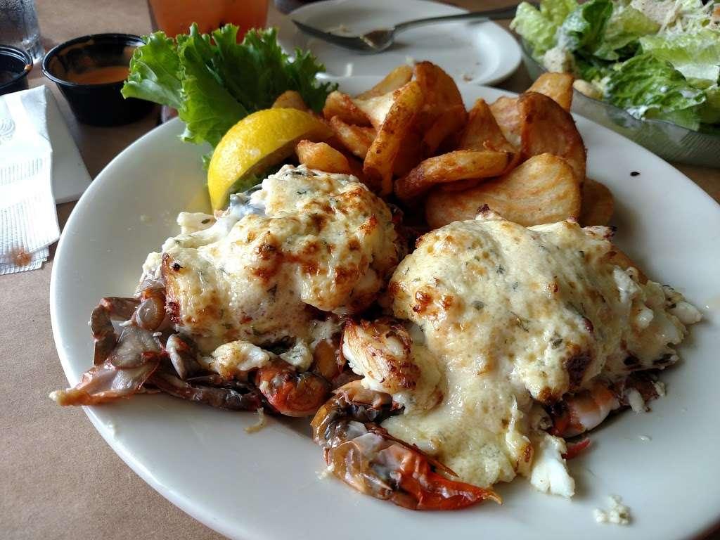 Donnellys Dockside - restaurant  | Photo 3 of 10 | Address: 1050 Deep Creek Ave, Arnold, MD 21012, USA | Phone: (410) 757-4045