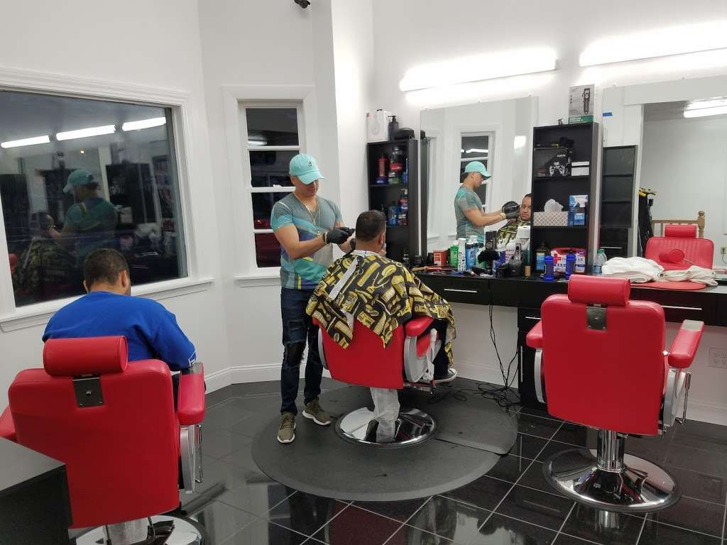 Samuel Style Barbershop - hair care  | Photo 2 of 3 | Address: 11 Bennington St, Revere, MA 02151, USA | Phone: (617) 953-2045