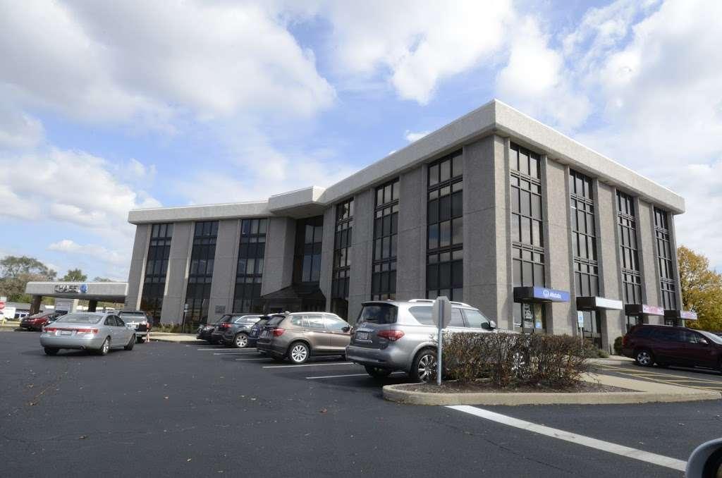 BREIS Barrington RE Investment Services LLC - real estate agency    Photo 5 of 9   Address: 3890 Salem Lake Dr, Long Grove, IL 60047, USA   Phone: (847) 847-7202
