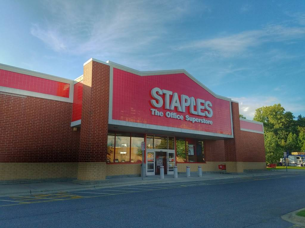 Staples - electronics store  | Photo 4 of 10 | Address: 210 Harmon Creek Rd, Kernersville, NC 27284, USA | Phone: (336) 993-7474