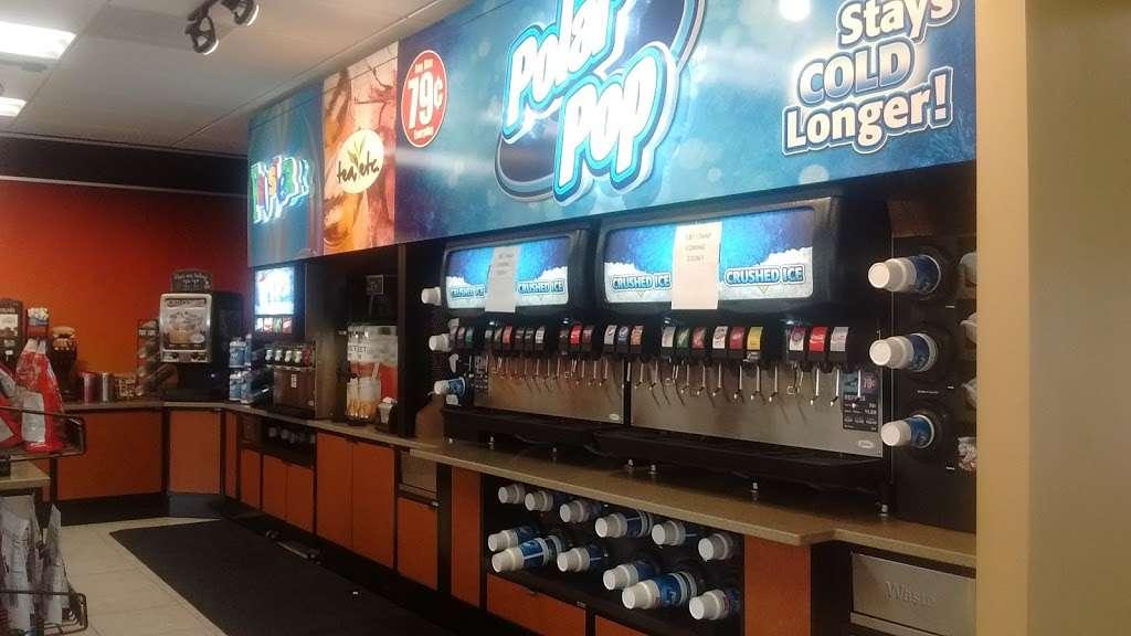 Circle K - convenience store  | Photo 8 of 10 | Address: 489 E Keene Rd, Apopka, FL 32703, USA | Phone: (407) 703-3894
