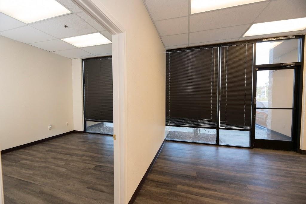 Roseville Bus Park Leasing Office - real estate agency  | Photo 4 of 10 | Address: 951 Washington Blvd, Roseville, CA 95678, USA | Phone: (916) 781-3566