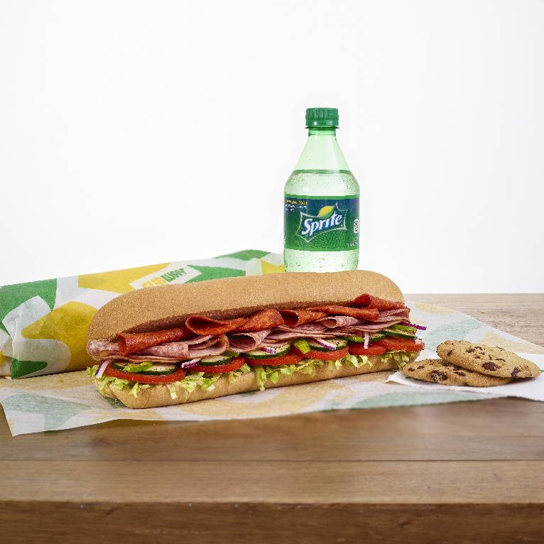 Subway - meal takeaway  | Photo 2 of 10 | Address: 376 White Bear Ave, St Paul, MN 55106, USA | Phone: (651) 735-2718
