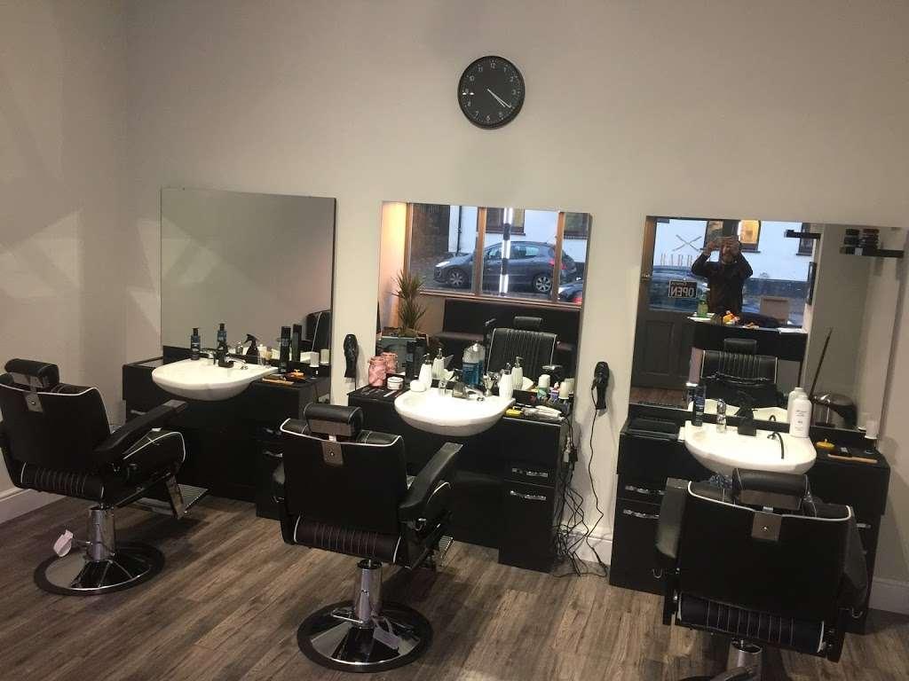 Deanos Barber Shop - hair care  | Photo 1 of 2 | Address: 25 Croydon Rd, Reigate RH2 0LY, UK | Phone: 07843 664196