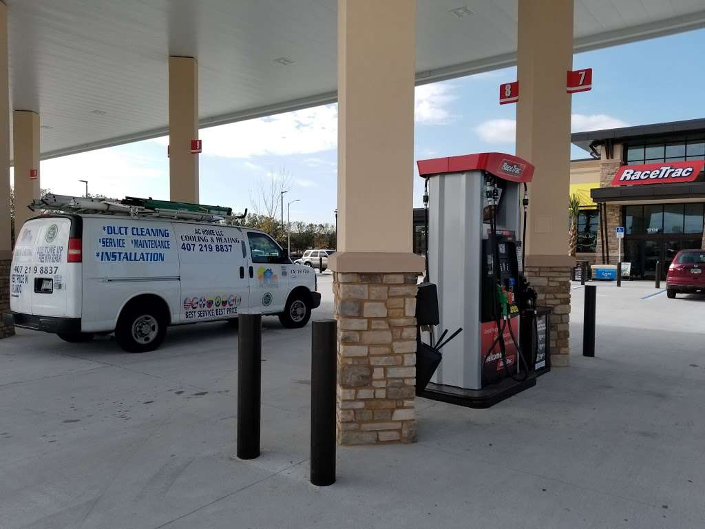 RaceTrac - gas station  | Photo 6 of 10 | Address: 12136 S John Young Pkwy, Orlando, FL 32837, USA | Phone: (407) 363-7788