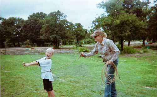 Becky Hellums Western Riding School - travel agency  | Photo 9 of 10 | Address: 2609 Holmes Rd, Richmond, TX 77469, USA | Phone: (281) 342-5355