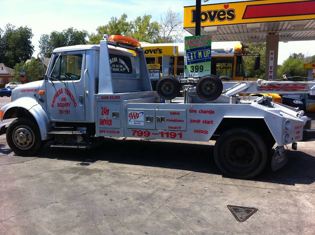 express towing and recovery - car repair  | Photo 2 of 8 | Address: 913 SE 19th St, Moore, OK 73160, USA | Phone: (405) 799-1191