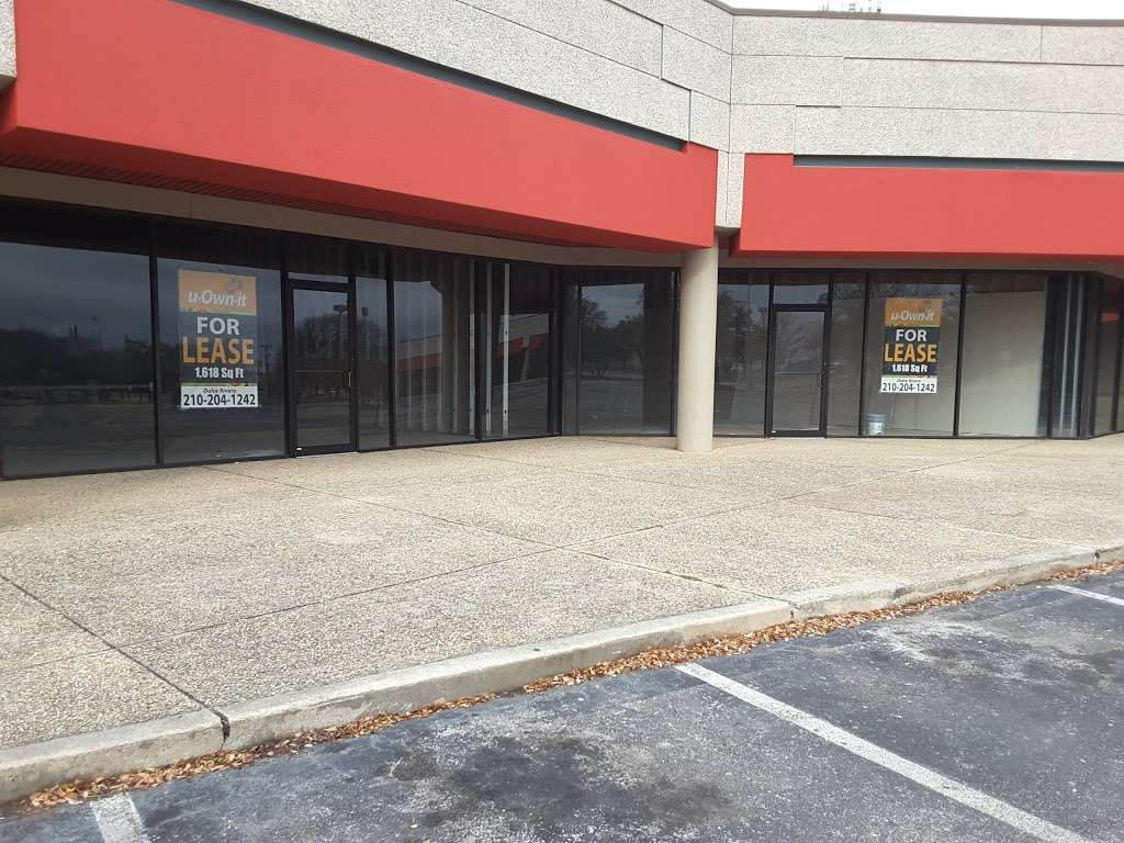Citadel Plaza - shopping mall  | Photo 7 of 10 | Address: 4555 Walzem Rd, San Antonio, TX 78218, USA | Phone: (210) 204-1242