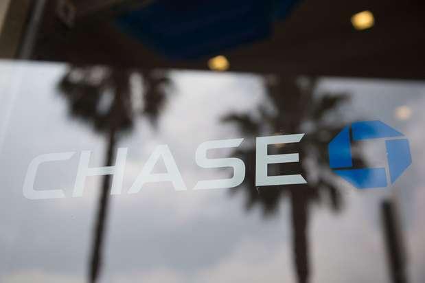 Chase Bank - bank  | Photo 3 of 4 | Address: 3840 Martin Luther King Jr Blvd, Lynwood, CA 90262, USA | Phone: (310) 637-8040