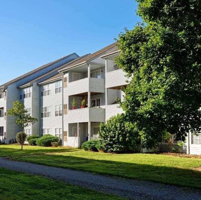 Village of Westover - real estate agency  | Photo 1 of 10 | Address: 120 Pennington Pl, Dover, DE 19904, USA | Phone: (844) 309-2602