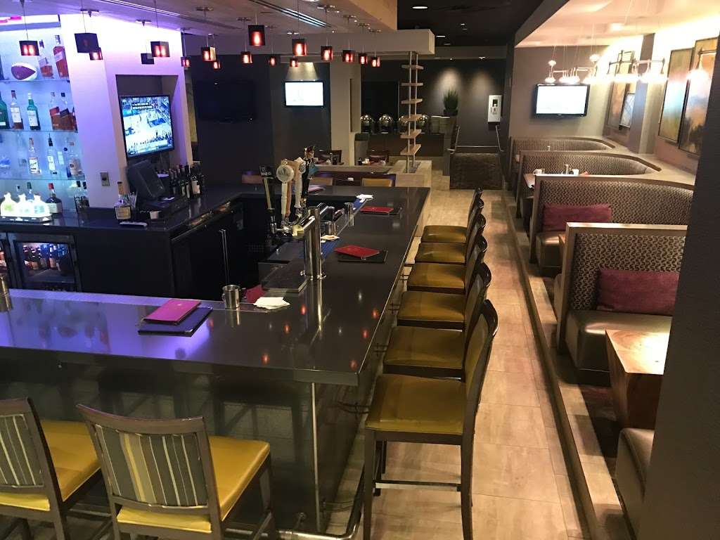 Urban Plum - restaurant  | Photo 4 of 10 | Address: 300 Plaza Dr, Secaucus, NJ 07094, USA | Phone: (201) 520-0574