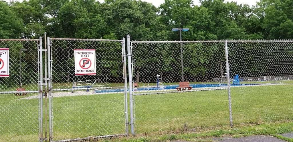 Vivyen Field - park    Photo 1 of 10   Address: 299 N Vivyen St, Bergenfield, NJ 07621, USA