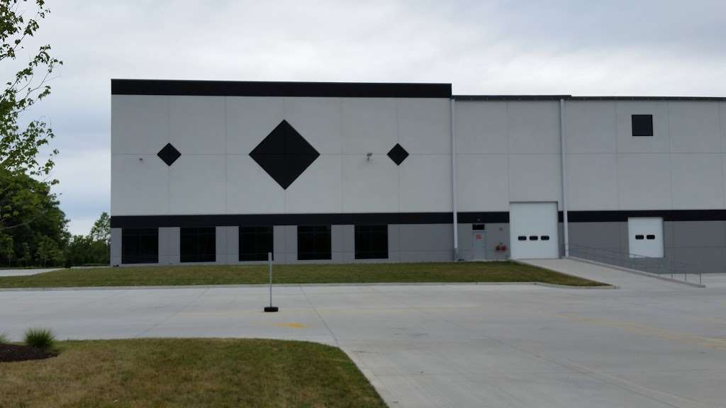 Zulily Bethlehem - storage  | Photo 6 of 8 | Address: 10 Emery St, Bethlehem, PA 18015, USA | Phone: (484) 747-6144