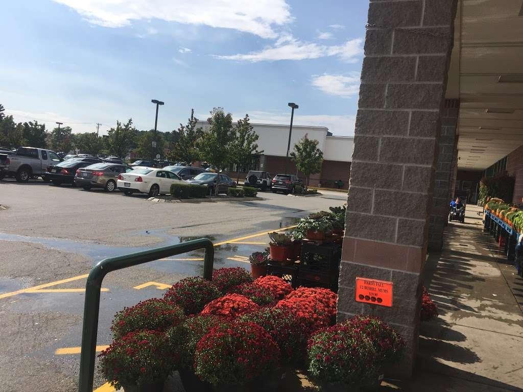 Oakdale Mall - shopping mall  | Photo 9 of 10 | Address: 1900 Main St, Tewksbury, MA 01876, USA | Phone: (978) 851-6856