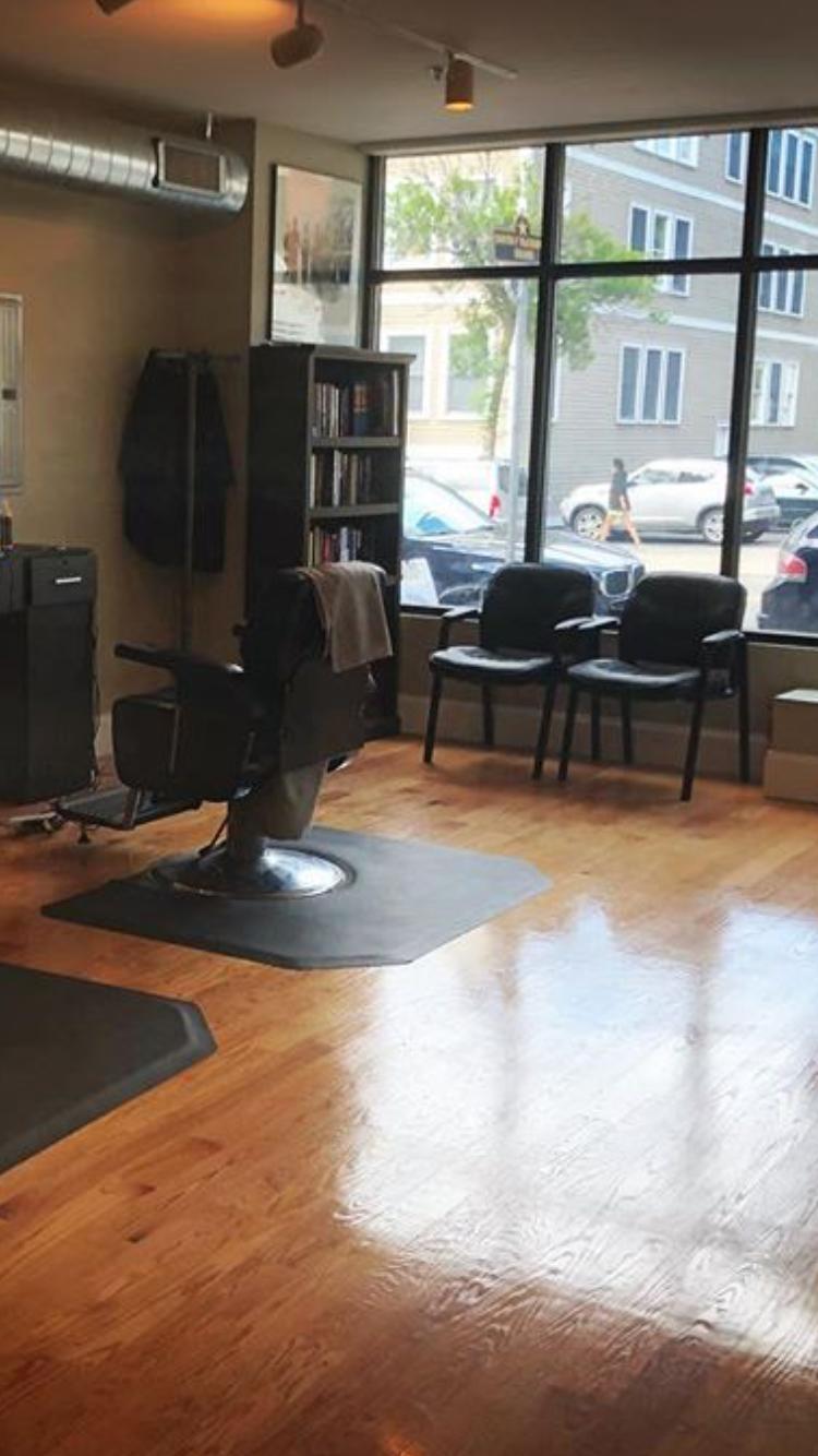 Lograssos Barbershop - hair care  | Photo 4 of 4 | Address: 1537, 331 W Broadway, South Boston, MA 02127, USA | Phone: (617) 765-8674