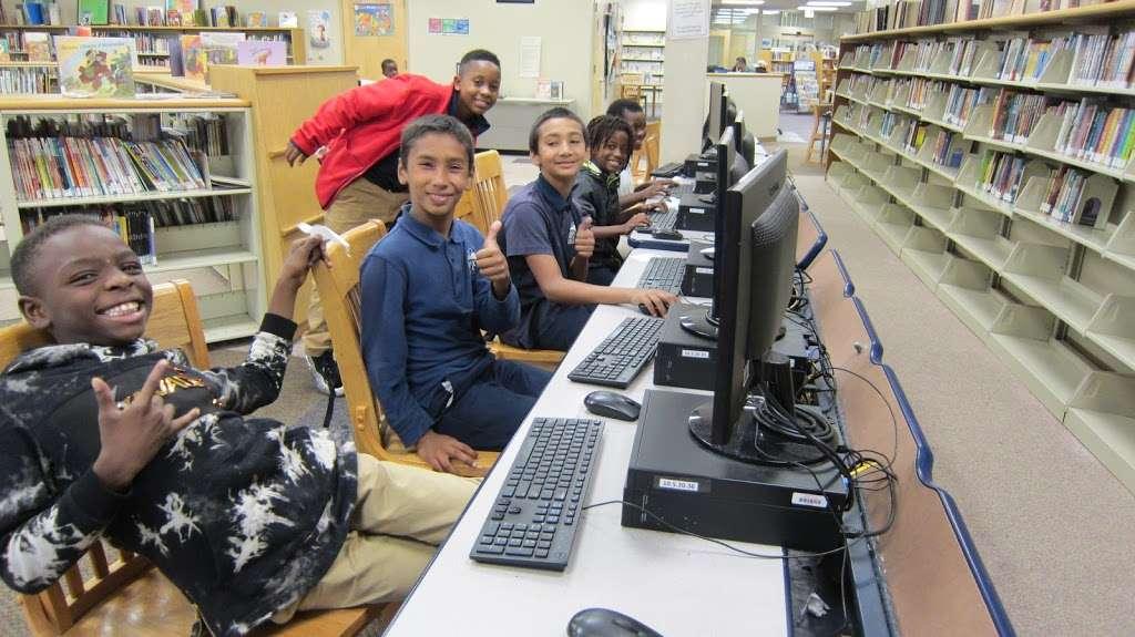 Riletta L. Cream Ferry Avenue Branch, Camden County Library Syst - library  | Photo 5 of 10 | Address: 852 Ferry Ave, Camden, NJ 08104, USA | Phone: (856) 342-9789