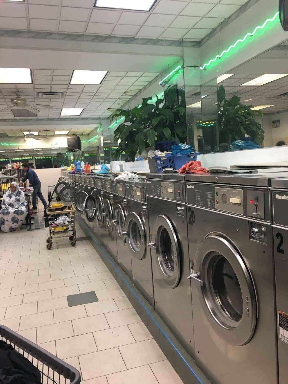 Li Jia Laundromat Inc - laundry  | Photo 7 of 10 | Address: 1890 Watson Ave, Bronx, NY 10472, USA | Phone: (718) 518-0993