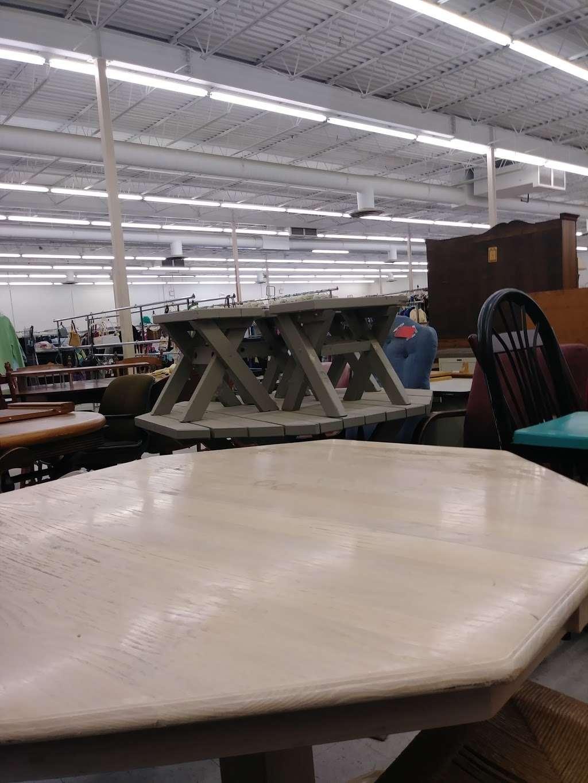 Family Thrift Store - store  | Photo 2 of 4 | Address: 9527 Blue Ridge Blvd, Kansas City, MO 64134, USA | Phone: (816) 763-6688