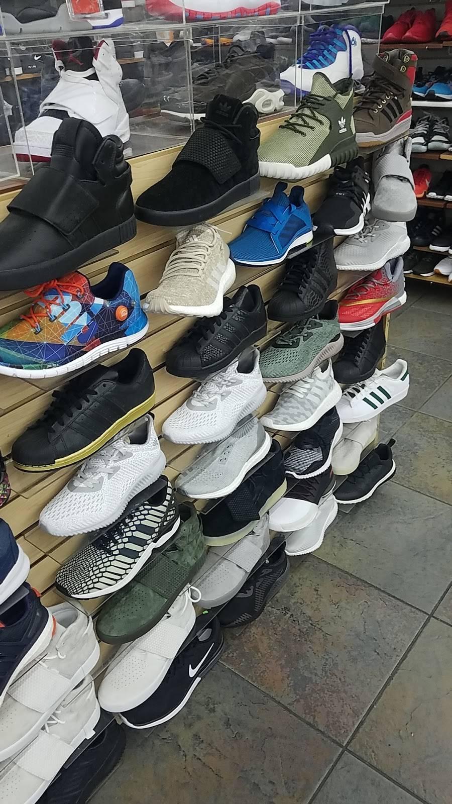 Outlet Shoes & Rugs - shoe store  | Photo 8 of 8 | Address: 221 E Ledbetter Dr, Dallas, TX 75216, USA | Phone: (214) 376-2959