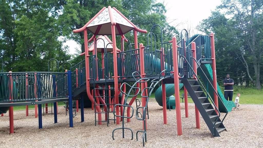 Suskin Park - park    Photo 6 of 10   Address: 91 Haines Ave, Piscataway Township, NJ 08854, USA
