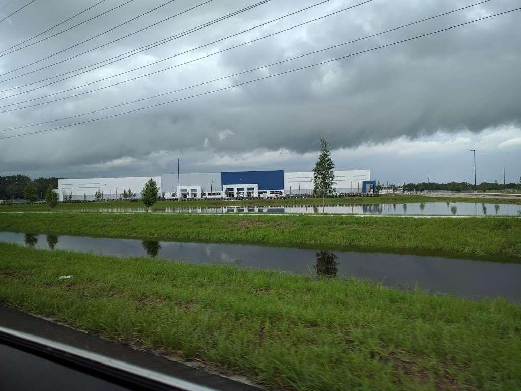 Best Buy Warehouse, Polk City - storage  | Photo 2 of 10 | Address: 8906 State Rd 33 N, Polk City, FL 33868, USA